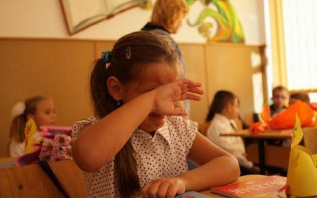 Cazul fetitei cu autism ascunse intr-o alta clasa este emblematic pentru romani